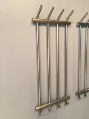 Wandgarderobe aus Edelstahl, moderne Garderobe mit 4 Haken,  Breite 36 cm
