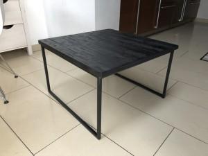 Couchtisch schwarz, Couchtisch Holz-Metall, Maße 60x60 cm