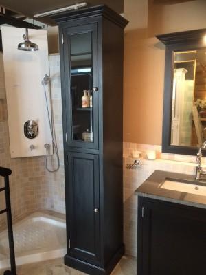 Badezimmerschrank schwarz mit eine Glastür, Schrank schwarz, Breite 41 cm