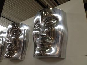 "Wanddekoration ""Gesicht"" aus Aluminium"
