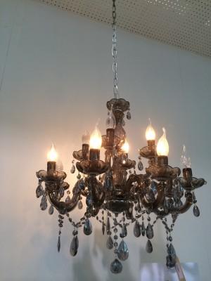 Klassischer Kronleuchter aus Glas, 12 Flammig, Farbe Schwarz - transparent