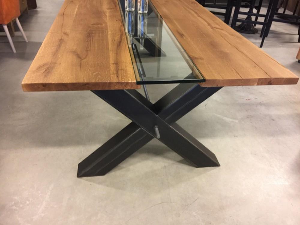 esstisch eiche tischplatte tisch glas massivholz tischplatte industriedesign tischgestell. Black Bedroom Furniture Sets. Home Design Ideas