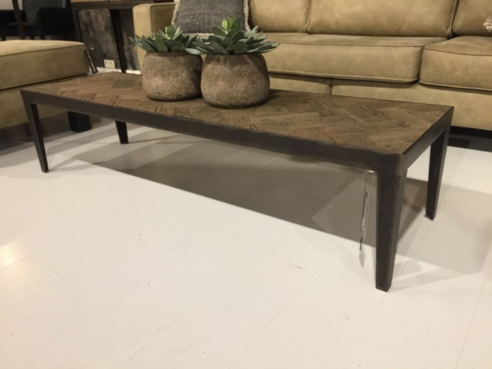 Couchtisch Metall Gestell Tisch Metall Industriedesign Couchtisch