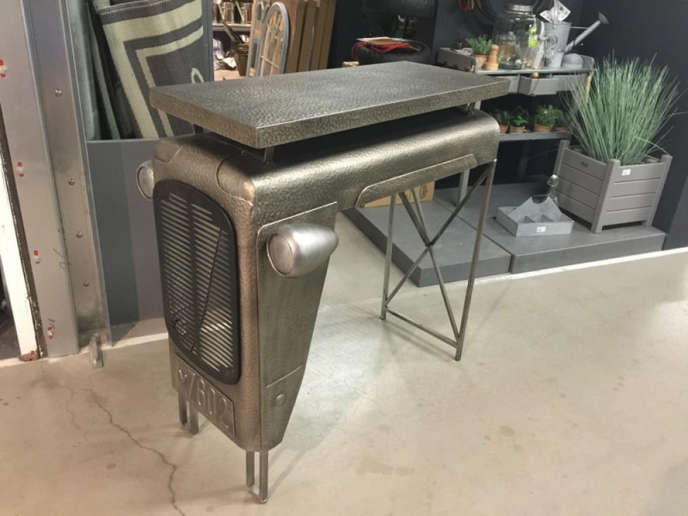 Traktortisch grau bartisch grau silber theke bartisch for Industriedesign mobel