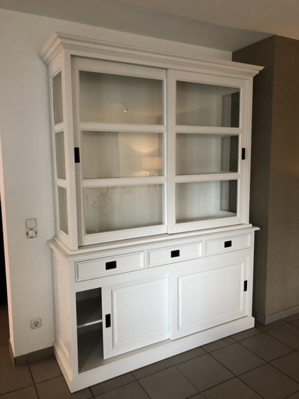 vitrine wei landhausstil geschirrschrank wei landhaus breite 160 cm vitrinen. Black Bedroom Furniture Sets. Home Design Ideas