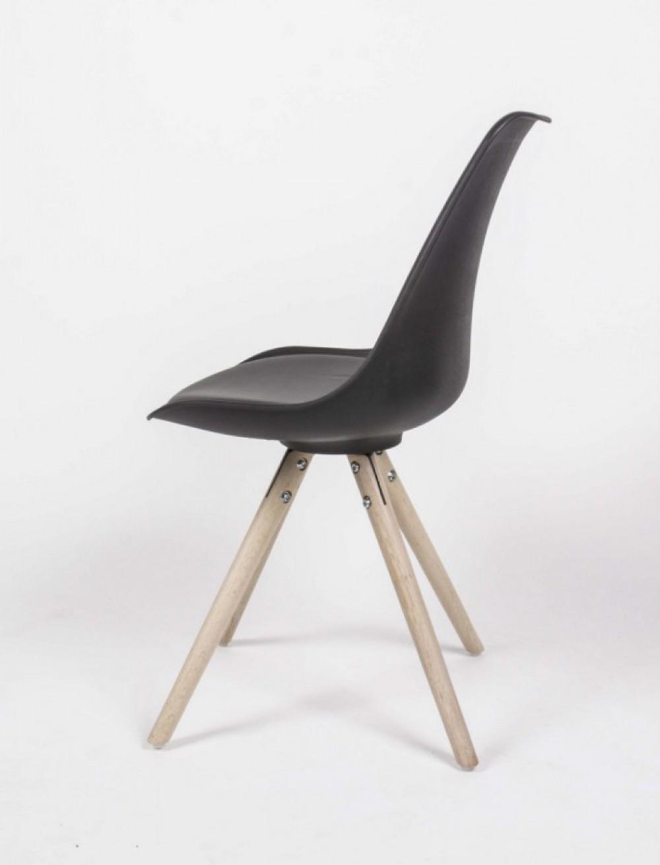 Stuhl gepolstert gestell aus massivholz stuhl farbe for Stuhl gepolstert