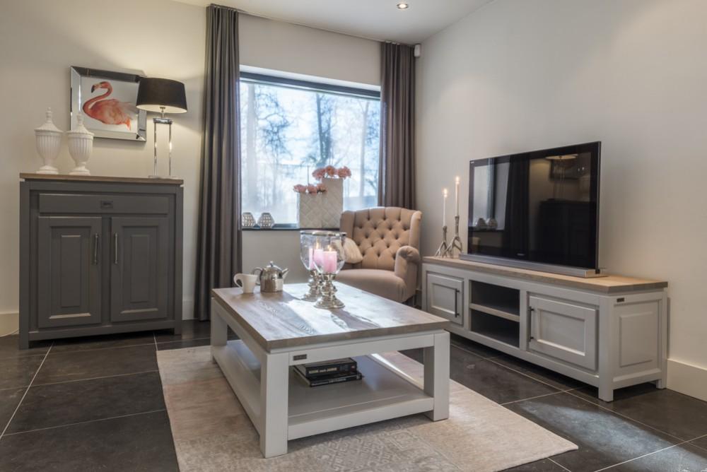 tv schrank grau massivholz lowboard grau im landhausstil breite 165 cm m belserien. Black Bedroom Furniture Sets. Home Design Ideas