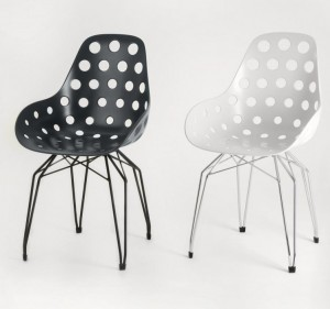 Design Stuhl  Sitzschale schwarz, verchromtes Gestell, Sitzhöhe 47 cm