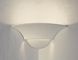 Eck-Wandleuchte aus Gips, Farbe weiß