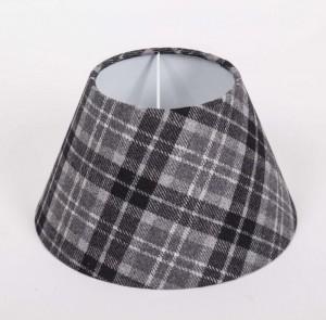 Lampenschirm aus Textil schwarz grau kariert