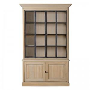 Ein klassischer Vitrinen- Geschirrschrank mit vier Türen im Landhausstil aus Eichenholz