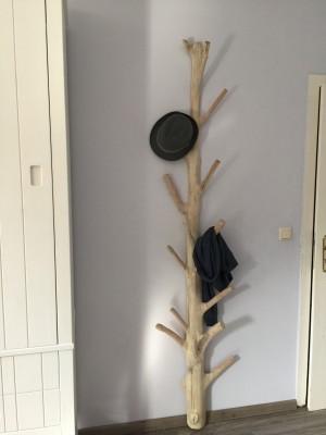 Wandgarderobe aus Holz Unikat, Standgarderobe aus Massivholz, Höhe 200 cm