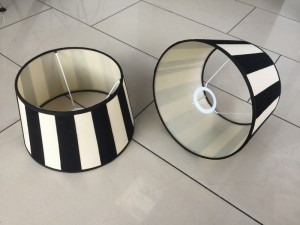 Gestreifter Lampenschirm schwarz-creme, Lampenschirm rund creme-schwarz, Lampenschirm gestreift, Durchmesser 20 cm