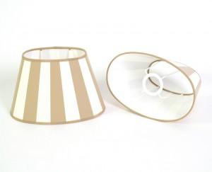 Gestreifter Lampenschirm klassisch, beige-weiß gestreift, oval 25 cm