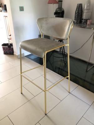 Barstuhl Gold gepolstert, Barstuhl beige stapelbar Gold, Sitzhöhe 76 cm