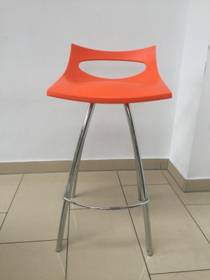 Design Barhocker orange, Barstuhl orange verchromtes Gestell, Sitzhöhe 80 cm