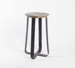 Hocker aus  Metall und Massivholz im Industriedesign, Höhe 60 cm