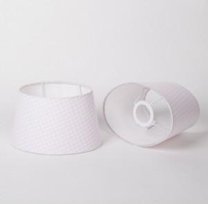 Lampenschirm oval für Tischleuchte,  Farbe Weiß-Rosa, Durchmesser 20 cm