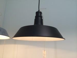 Hängeleuchte aus Metall, Schwarz, Pendelleuchte, Durchmesser 35 cm