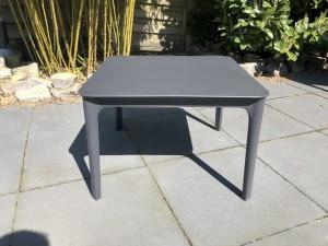 Gartentisch anthrazit, Kunststoff Beitstelltisch anthrazit, Gartentisch Kunststoff anthrazit, Maße 60x60 cm