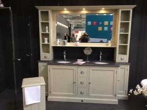 Badezimmerschrank mit integriertem Waschtisch, Waschtisch im Landhausstil in verschiedenen Farben