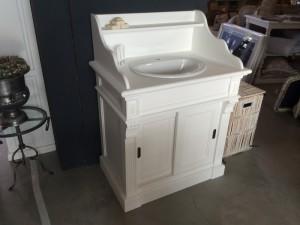 Waschtisch Weiß im Landhausstil, Bad- Waschtisch mit einem Waschbecken