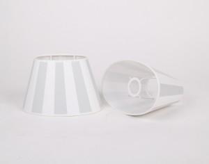 Gestreifter Lampenschirm, grau-weiß gestreift, oval Ø 20 cm