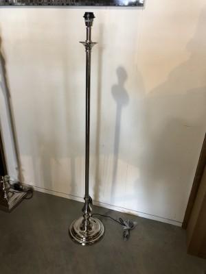 Stehleuchte verchromt, Lampenfuß für eine Stehleuchte, Stehlampe Silber,  Höhe 142 cm