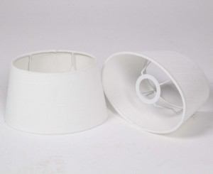 Lampenschirm oval weiß