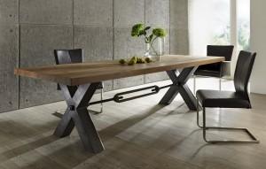 Esstisch aus massiv Eiche, Tisch im Industriedesign mit einem Gestell aus Metall, Maße 300 x 100 cm