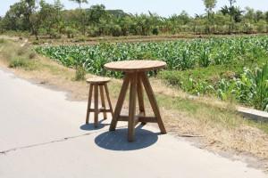 Bartisch Teakholz, runder Tisch Teak, Bartisch Holz Teak, Durchmesser 80 cm