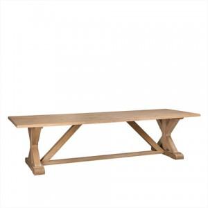 Esstisch aus Eichenholz im Landhausstil